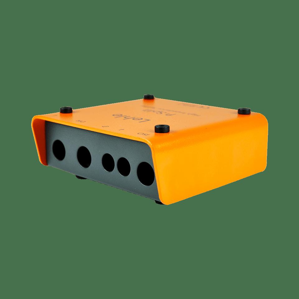 Kleingehäuse in orange mit 5 Steckplätzen als Kabeleingang